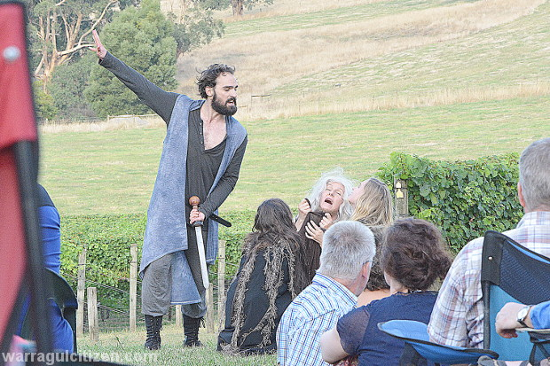 Macbeth-shakespeare-in-the-vines-2015-warragul-by-william-pj-kulich-for-warragul-baw-baw-citizen-newspaper-2